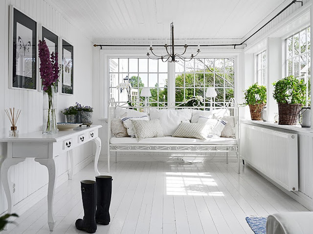 cottage sunroom