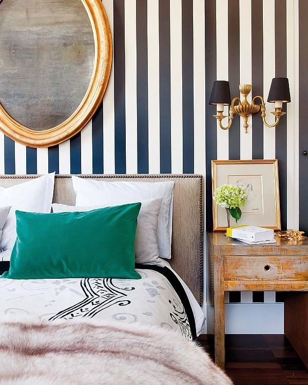Black and White Stripes in the Bedroom