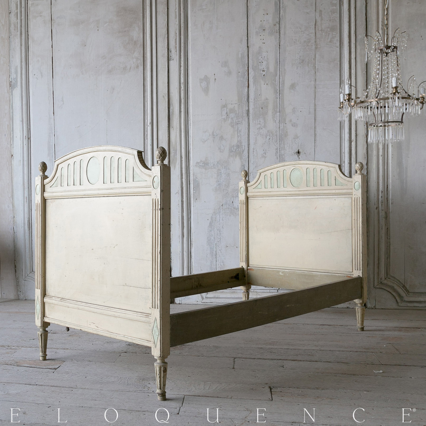 Eloquence® Antique Pale Green Carved Finial Twin Bed