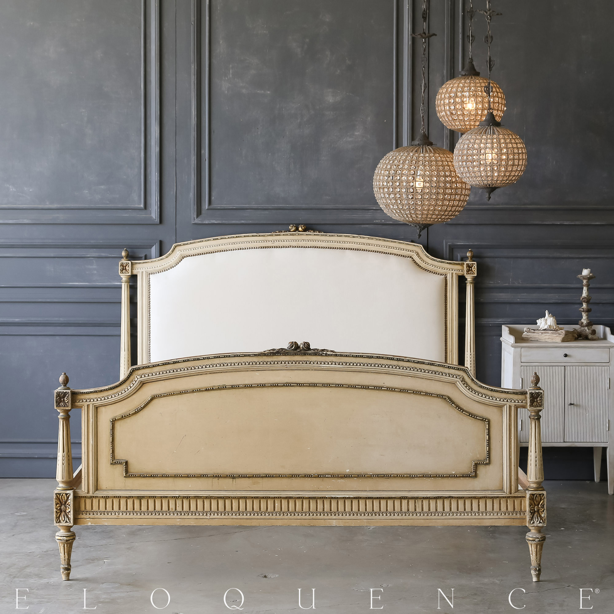 Eloquence® Vintage Bed: 1940