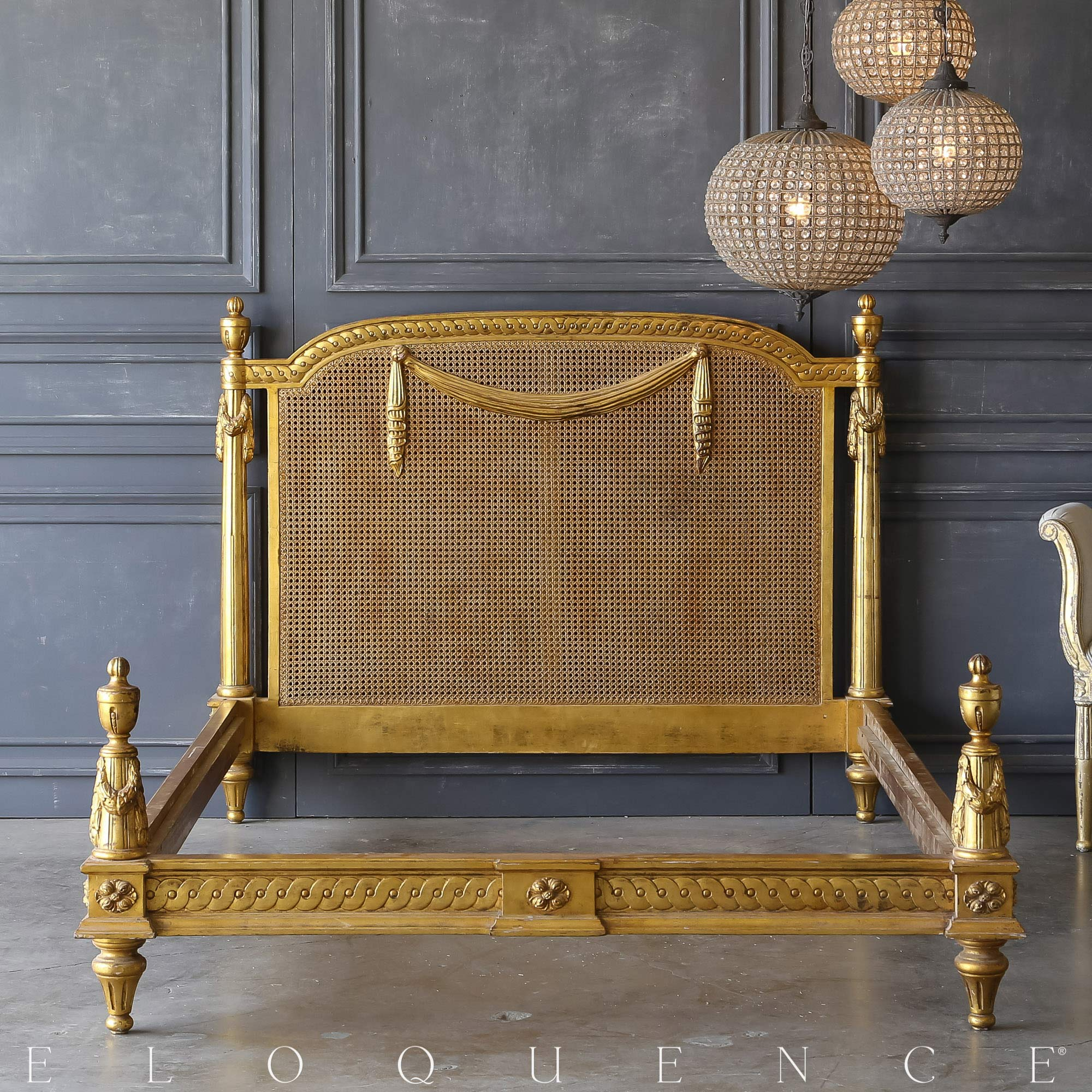 Eloquence® Vintage Gold Garland Cane Bed: 1940