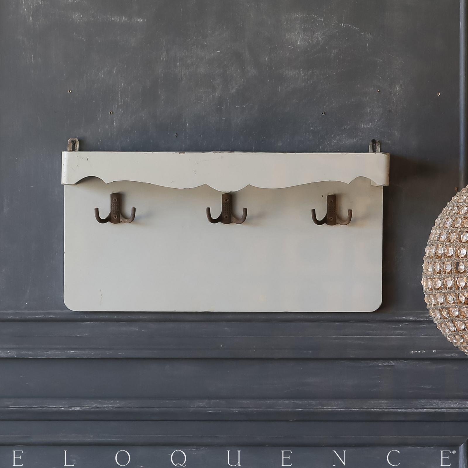Eloquence® Vintage Wall Hanging Shelf: 1940