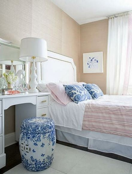 how to decorate with garden stools - bedroom