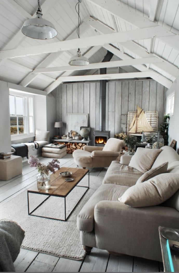 We Fell Head Over Heels For This Cozy Country Living Room When Spotted It On Pinterest The Other Day Maybe S Fact That Christmas Week