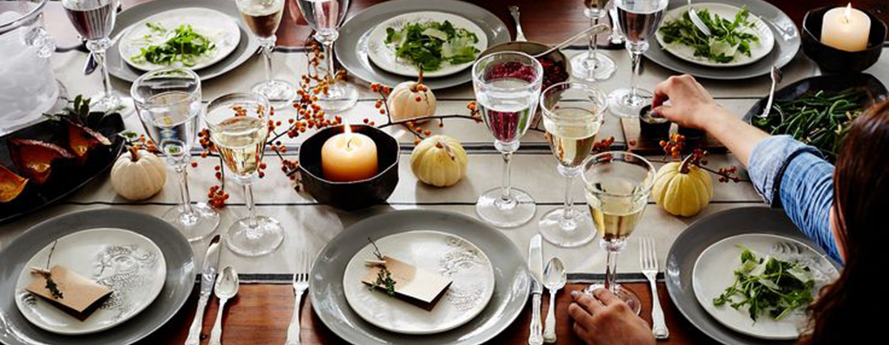 10 Inspiring Tablescapes (and Tips) for Thanksgiving