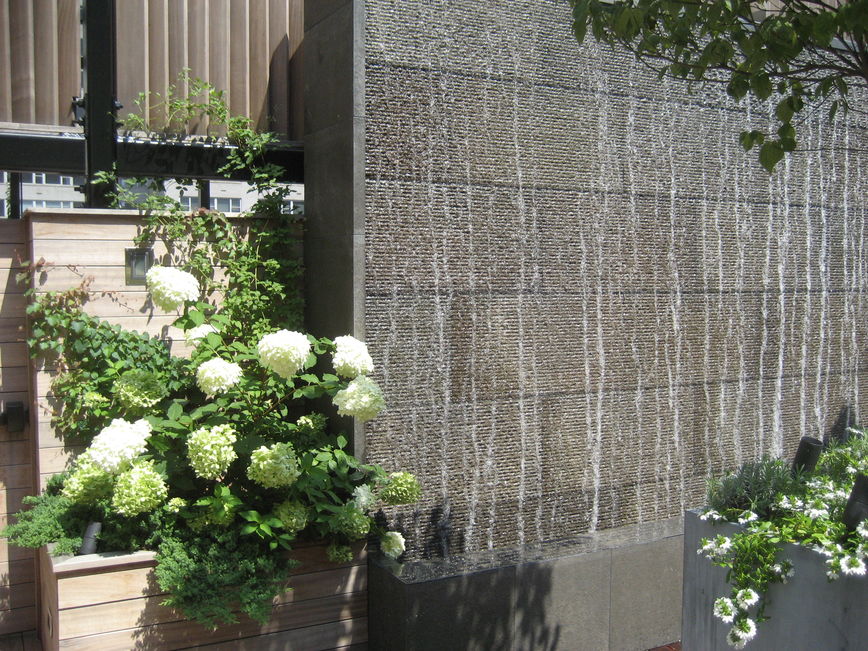 Central Park West water wall by Gunn Landscape Architecture