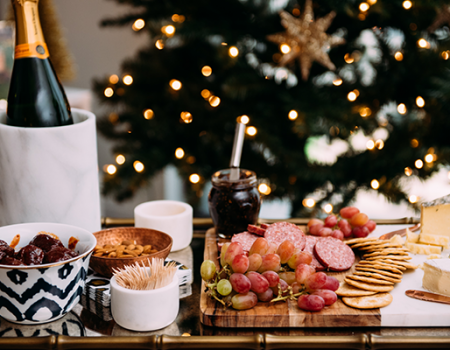 Your Hosting Checklist for the Perfect Holiday Party