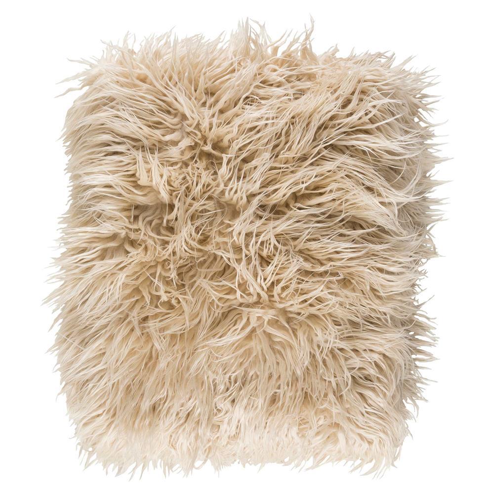 furry white throw blanket