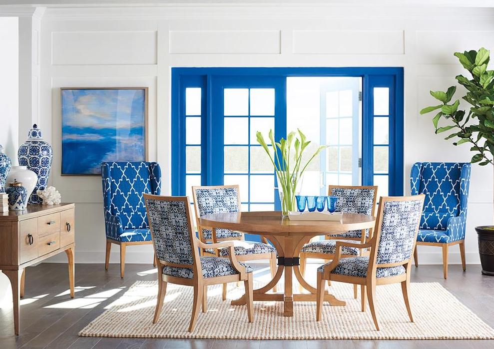 coastal living room design with chairs