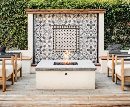 Outdoor Furniture Shopping, Design & Decorating 101