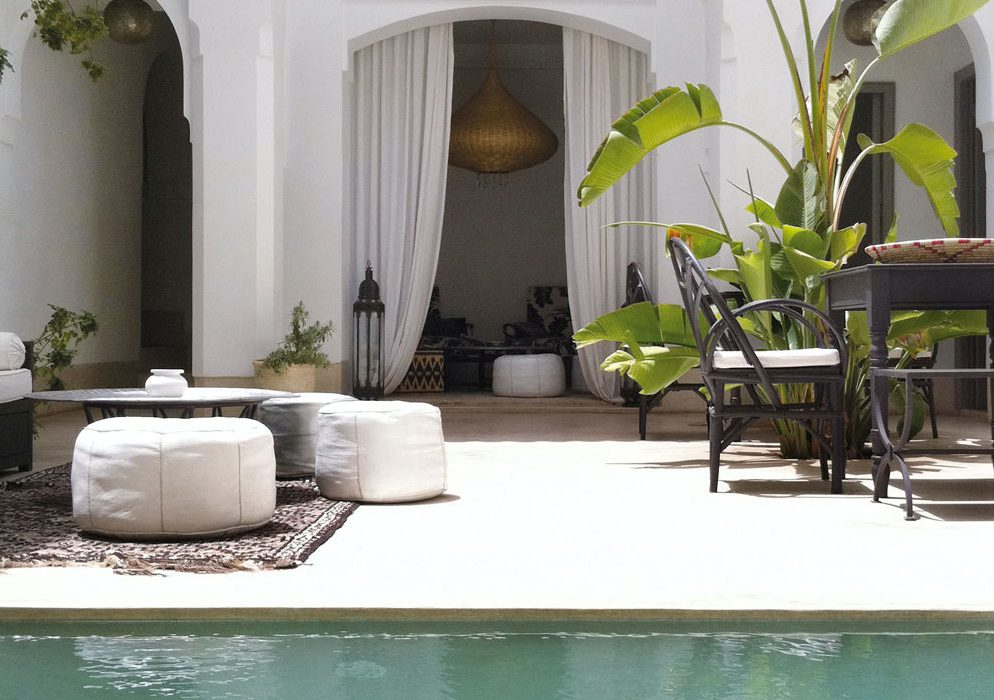 Outdoor Furniture Shopping, Design & Decorating 101