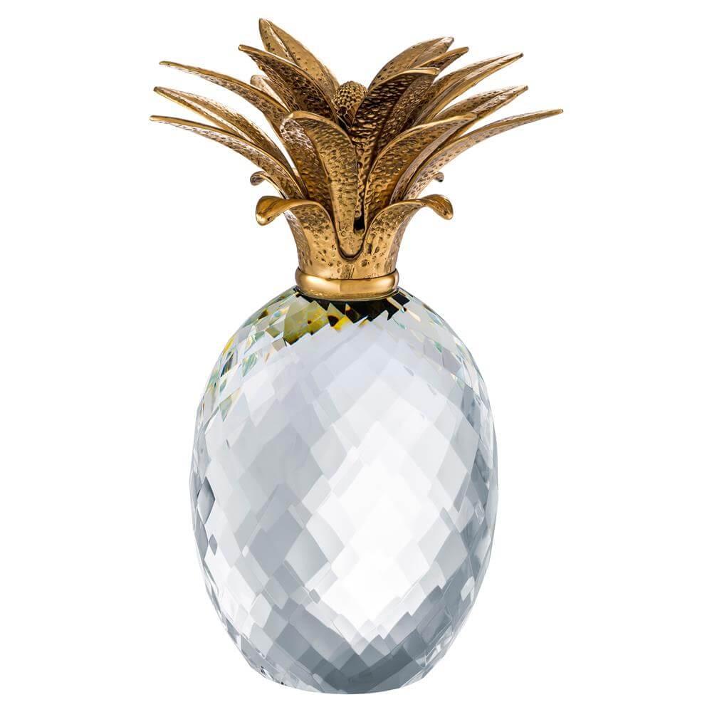 pineapple statue