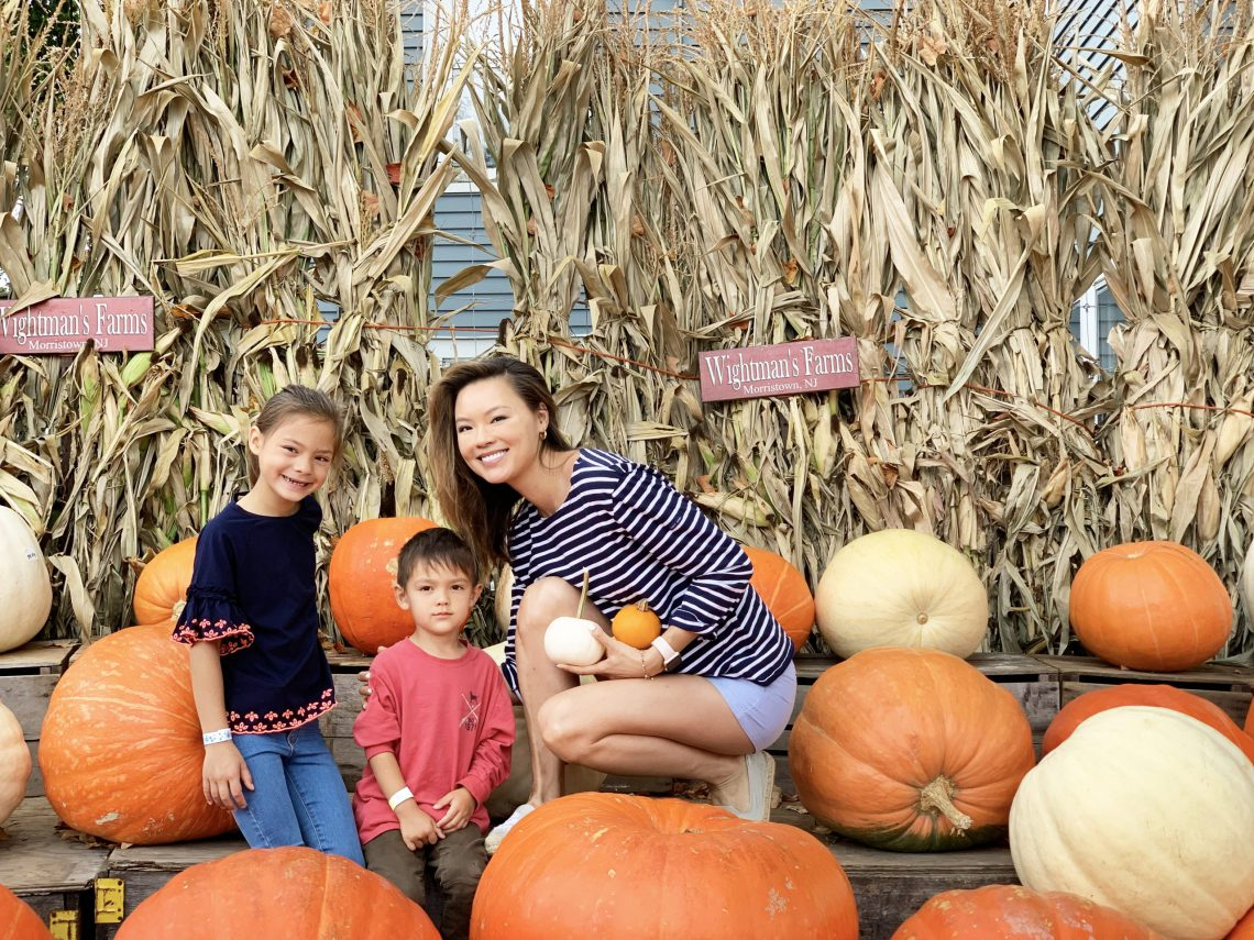 The Recipe for a Fab Fall Weekend: Apple-Picking, Baking & Cozy Decor